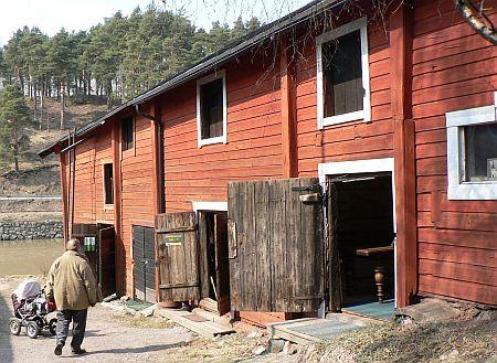 20060429_Porvoo_shore_houses.jpg