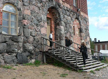 20060901_Suomenlinna_Devils_Church_front.jpg