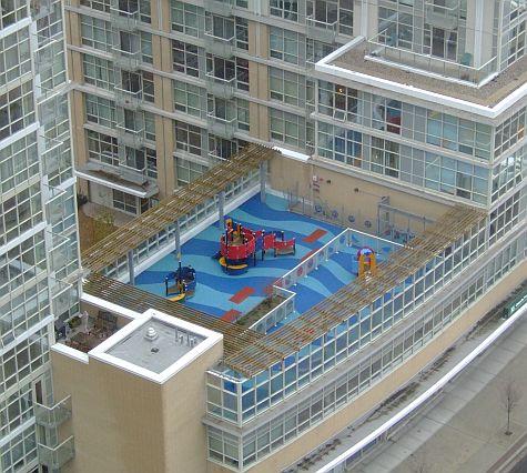 20061111_Spadina_rooftop.jpg