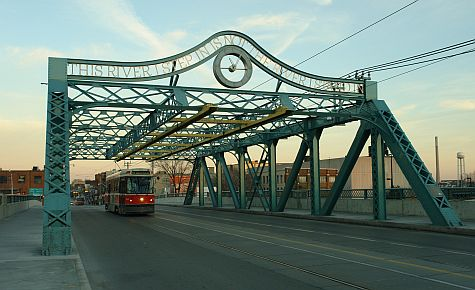 20061210_Queen_Street_Bridge_Don_River.jpg