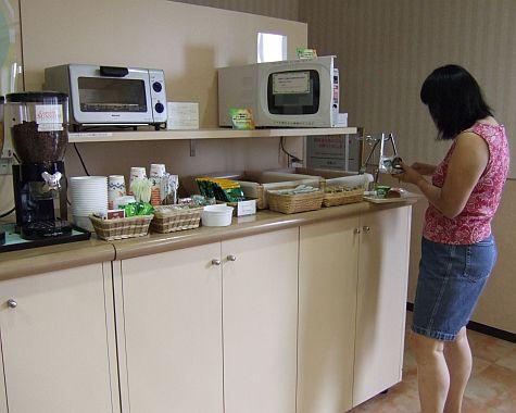 20070724_ComfortInn_KyotoGojo_breads.jpg