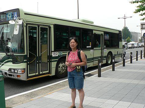 20070724_Kyoto_Horikawa_bus_DY.jpg