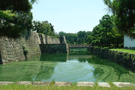 20070726_Nijo_moat_north.jpg