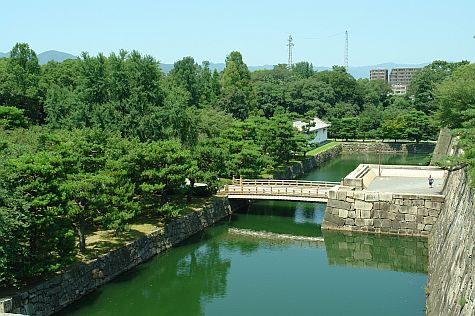 20070726_Nijo_moat_west_city.jpg