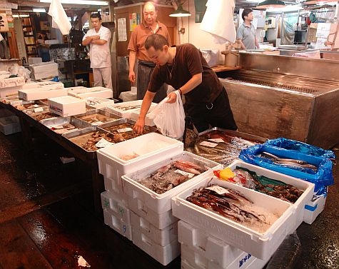 20070730_TsujikiWholesale_shellfish_squid.jpg