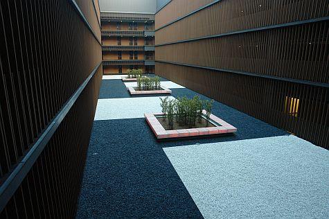 20070804_Villa_Fontaine_Mita_courtyard.jpg