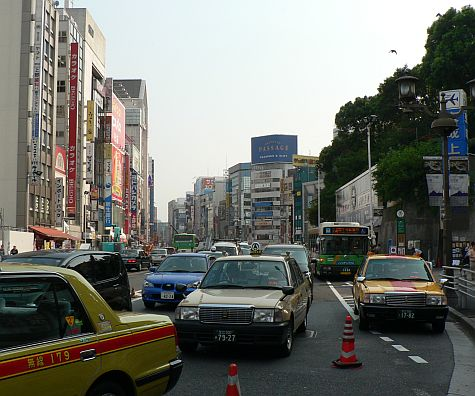 20070811_Ueno_Chuo-Dori_view_south.jpg