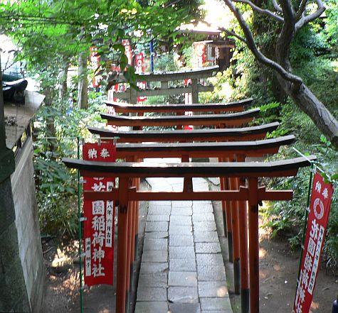 20070811_Ueno_Kiyomizu_Kannon-do_torii.jpg