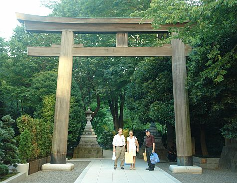 20070812_Harajuku_Togo_torii_GM_TT_GAS.jpg