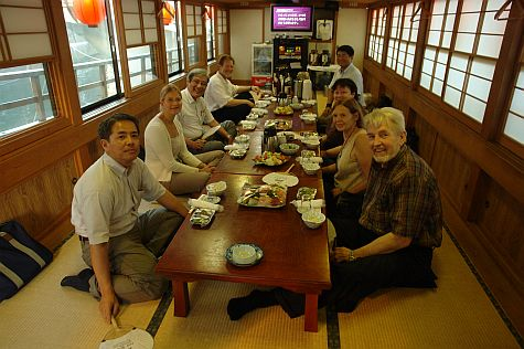 20070813_Sumida_river_cruise_table.jpg