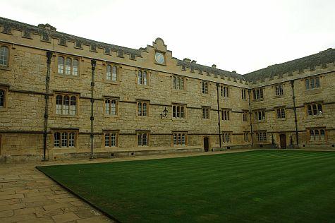 20070902_Merton_College_fellows_quad.jpg
