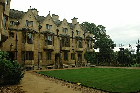 20070902_Merton_College_mob_quad.jpg