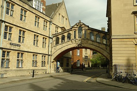 20070902_Oxford_Bridge_of_Sighs.jpg