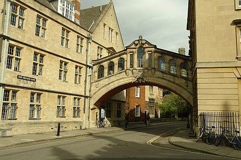 20070902_Oxford_Bridge_of_Sighs.jpg