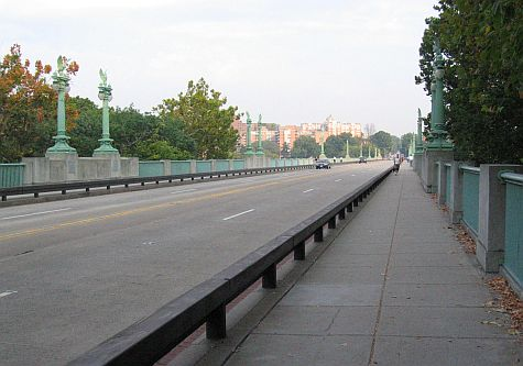 20071009_DC_Adams_Morgan_Connecticut_Ave_bridge.jpg