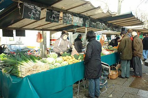 20071209_Bastille_Market_leeks_cabbages.jpg