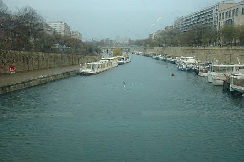 20071209_Chatelet_at_Seine.jpg
