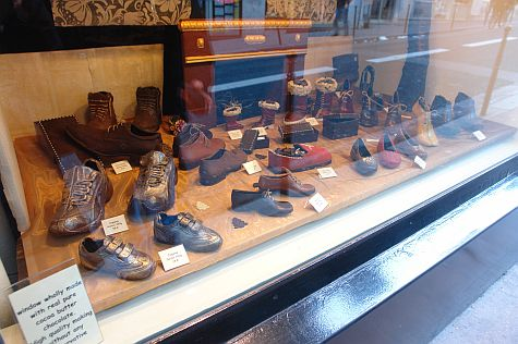 20071209_Marais_chocolate_shoes.jpg