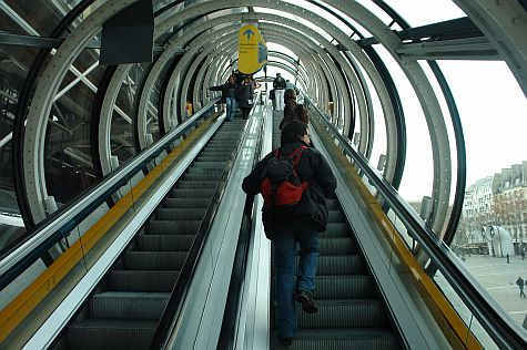 20071209_Pompidou_Centre_escalator.jpg