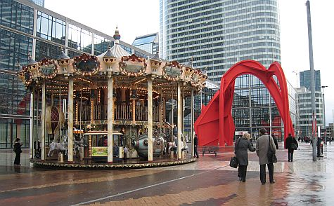 20071210_La_Defense_carousel.jpg