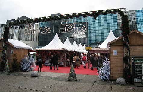 20071210_La_Defense_Christmas_market.jpg