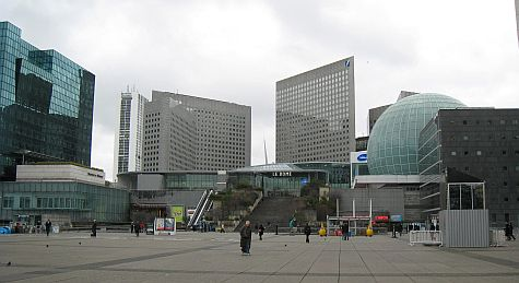 20071210_La_Defense_plaza_dome.jpg