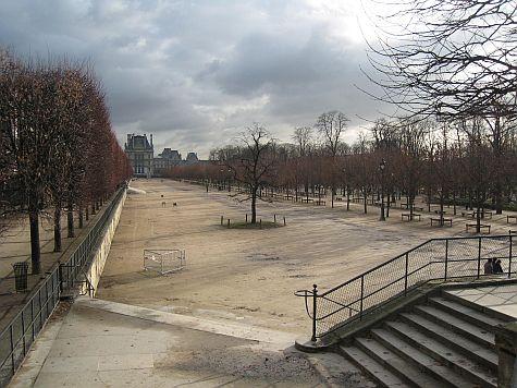 20071211_Jardin_des_Tuileries_field.jpg