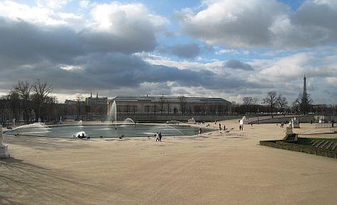 20071211_Jardin_des_Tuileries_fountain.jpg