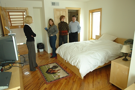 20080214_Fairfield165th_bedroom.jpg