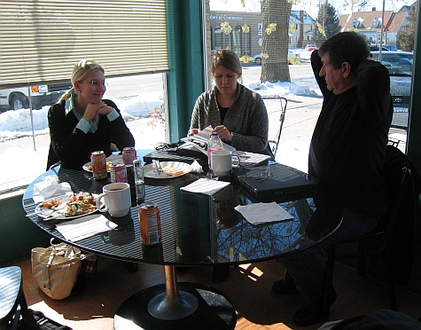 20080215_Fairfield_Entree_Cafe_table.jpg