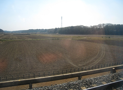 DI_20080307_Keisei_Skyliner_fields.jpg
