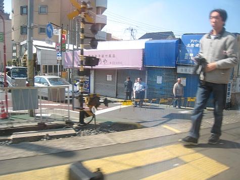 DI_20080307_Keisei_Skyliner_road_intersection.jpg