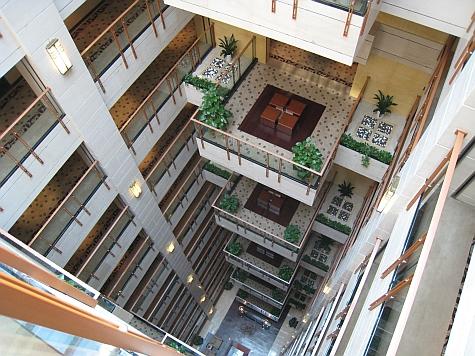 DI_20080308_Beijing_Somerset_Zhongguancun_atrium.jpg