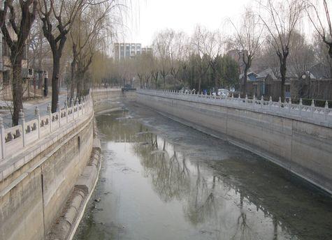 DI_20080311_Tsinghua_canal.jpg