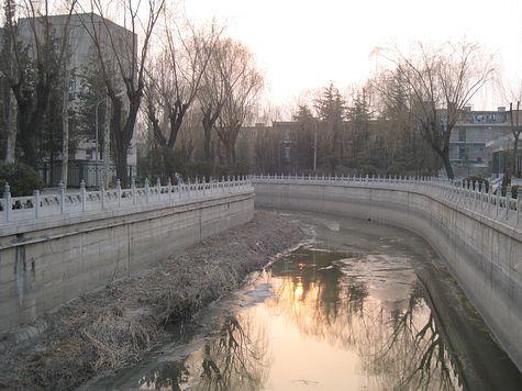 DI_20080311_Tsinghua_canal_sunset.jpg