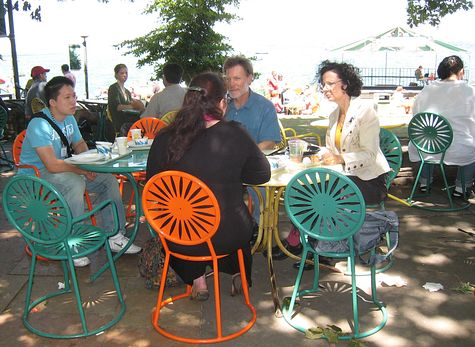 DI_20080713_WisconsinUnion_lakefront_lunch.jpg