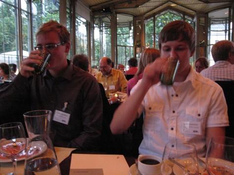 di_20080825-130928-helsinki-kapelli-drinking