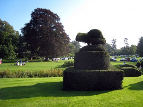 di_20080830-120340-hevercastle-topiary