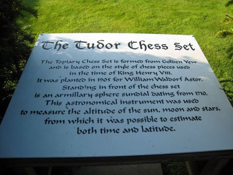 di_20080830-125234-hevercastle-tudor-chess-set-sign
