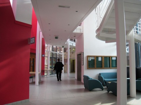 di_20080904-050124-hubs-hallway
