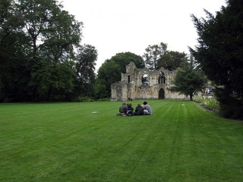 DI_20080910 121350 York StMarysAbbey ruins