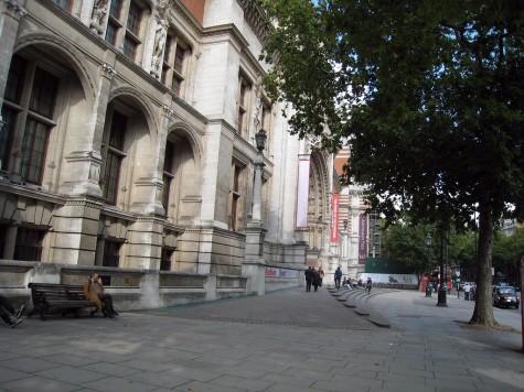 DI_20080912 103106 VictoriaAlbertMuseum ExhibitionRoad