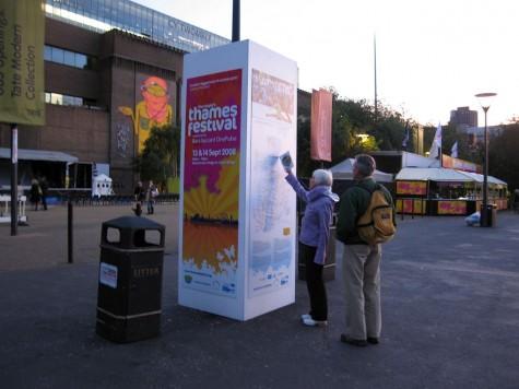 DI_20080912 143722 ThamesFestival kiosk