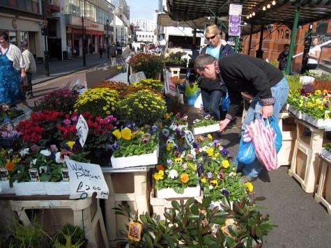 DI_20080913 080210 Croydon SurreyStreet market flowers