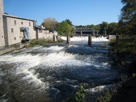 DI_20080924 134722 Elora gorge falls upstream
