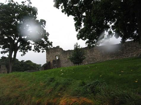 di_20080905-134212-pickering-castle