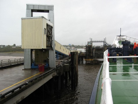 DI_20081002 095408 Digby ferry SaintJohn gangway