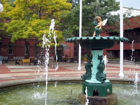 DI_20081003 142028 Fredericton CityHall fountain
